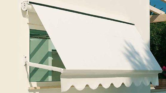 I vantaggi di scegliere tende da sole di qualità. Tende Da Sole Per Balconi Modello A Caduta Preventivo Online