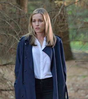 Piper Perabo as Annie Walker -- (Photo by: Ben Mark Holzberg/USA Network)