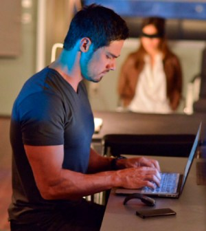 Pictured (L-R): Jay Ryan as Vincent and Kristin Kreuk as Catherine. Photo: Sven Frenzel/The CW
