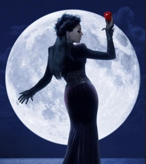 """ABC's """"Once Upon a Time"""" stars Lana Parrilla as Evil Queen/Regina. (ABC/Bob D'Amico)"""