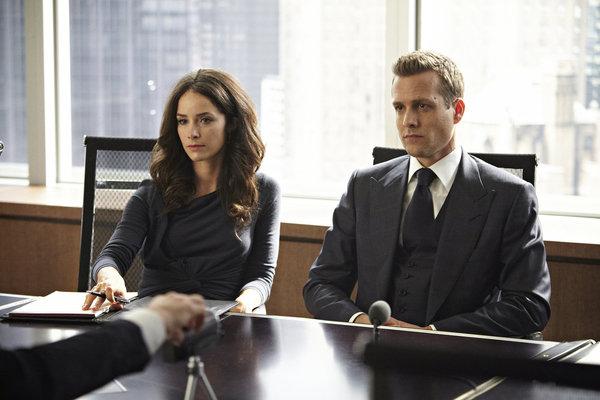 Pictured: (l-r) Abigail Spencer as Dana Scott, Gabriel Macht as Harvey Specter -- (Photo by: Ian Watson/USA Network)