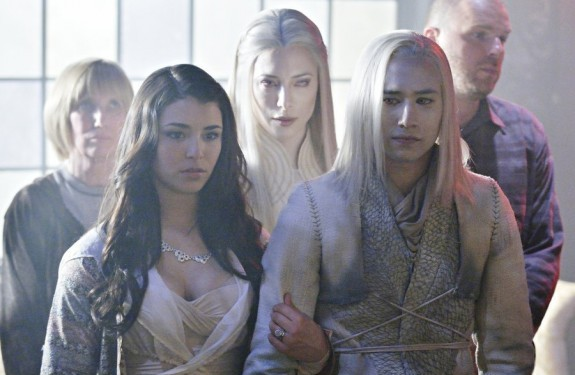 Pictured: (l-r) Nicole Munoz as Christie McCawley, Jaime Murray as Stahma Tarr, Jesse Rath as Alak Tarr -- Photo by: Syfy