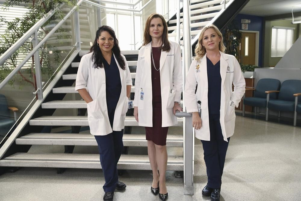 """IMAGES: Grey's Anatomy 11x01 """"I Must Have Lost it On the Wind"""""""