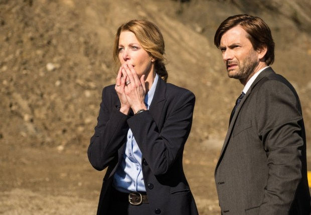 Detectives Miller (Anna Gunn, L) and Carver (David Tennant, R) arrive at the scene of a crime. Co. Cr: Ed Araquel/FOX