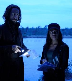 Ichabod (Tom Mison, L) and Abbie (Nicole Beharie, R). Co. CR: Brownie Harris/FOX