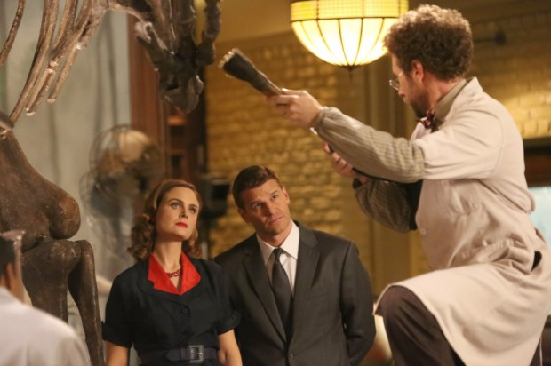 Pictured L-R:  Emily Deschanel, David Boreanaz and TJ Thyne.   ©2014 Fox Broadcasting Co.  Cr:  Patrick McElhenney/FOX
