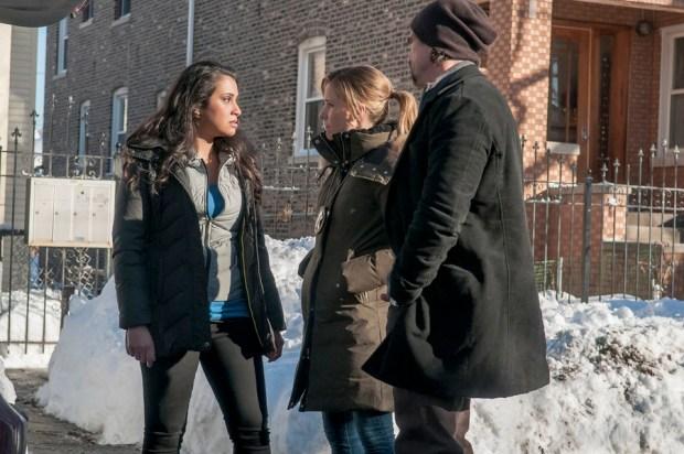 Natasha Forouzannia as Amber Banks, Sophia Bush as Erin Lindsay, Elias Koteas as Alvin Olinsky -- (Photo by: Matt Dinerstein/NBC)
