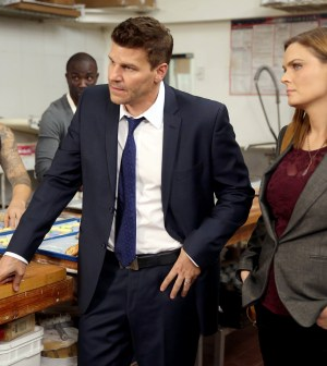 Booth (David Boreanaz, L) and Brennan (Emily Deschanel, R) |  Co. Cr: Jordin Althaus/FOX