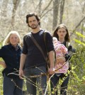 Pictured (L-R): Debra Mooney as Mary, Nathan Parsons as Jackson and Phoebe Tonkin as Hayley -- Photo: Jace Downs/The CW