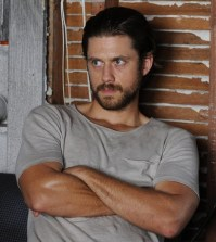 Pictured: Aaron Tveit as Mike Warren -- (Photo by: Jeff Daly/USA Network)
