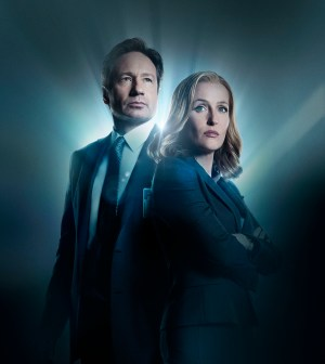 THE X-FILES: L-R: David Duchovny and Gillian Anderson.