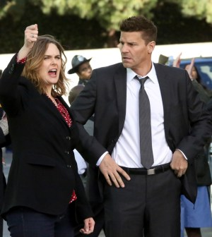 "BONES: L-R: Emily Deschanel and David Boreanaz in the ""The Murder Of The Meninist"" episode of BONES.  Co.  Cr:  Patrick McElhenney/FOX"