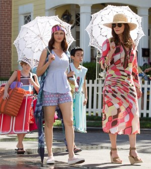 GILMORE GIRLS | (Left to Right) Alexis Bledel and Lauren Graham. Photo credit Saeed Adyani/Netflix