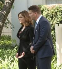"BONES: L-R:  Emily Deschanel and David Boreanaz in ""The New Tricks in the Old Dogs"" episode of BONES| Co.  Cr:  Patrick McElhenney/FOX"