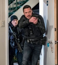 "CHICAGO P.D. -- ""Seven Indictments"" Episode 414 -- Pictured: Nick Wechsler as Kenny Rixton -- (Photo by: Matt Dinerstein/NBC)"