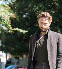 """Tom Mison in the """"Homecoming"""" episode of Sleepy Hollow 
