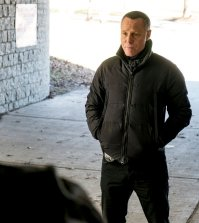 "CHICAGO P.D. -- ""Last Minute Resistance"" Episode 419 -- Pictured: Jason Beghe as Hank Voight -- (Photo by: Matt Dinerstein/NBC)"