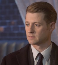 "GOTHAM: Ben McKenzie in the ""Heroes Rise: The Primal Riddle"" episode of GOTHAM  Cr: Jessica Miglio/FOX"