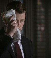 "GOTHAM: Ben Mckenzie in the ""Heroes Rise: These Delicate and Dark Obsessions"" Cr: Jeff Neumann/FOX"