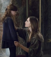"The Originals -- ""Voodoo In My Blood"" -- Pictured (L-R): Summer Fontana as Hope and Phoebe Tonkin as Hayley-- Photo: Bob Mahoney/The CW"