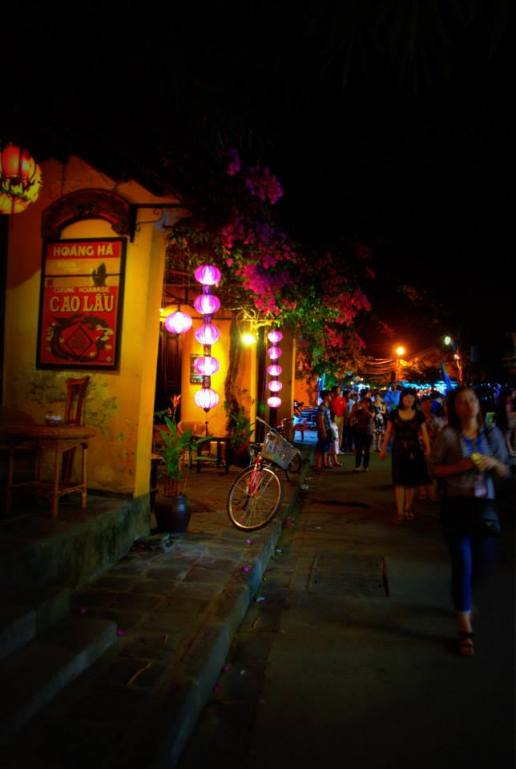 Dreamy Hoi An by night