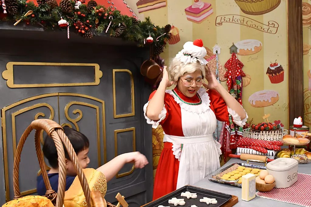 Mrs Santa Claus at Universal Studios Singapore.