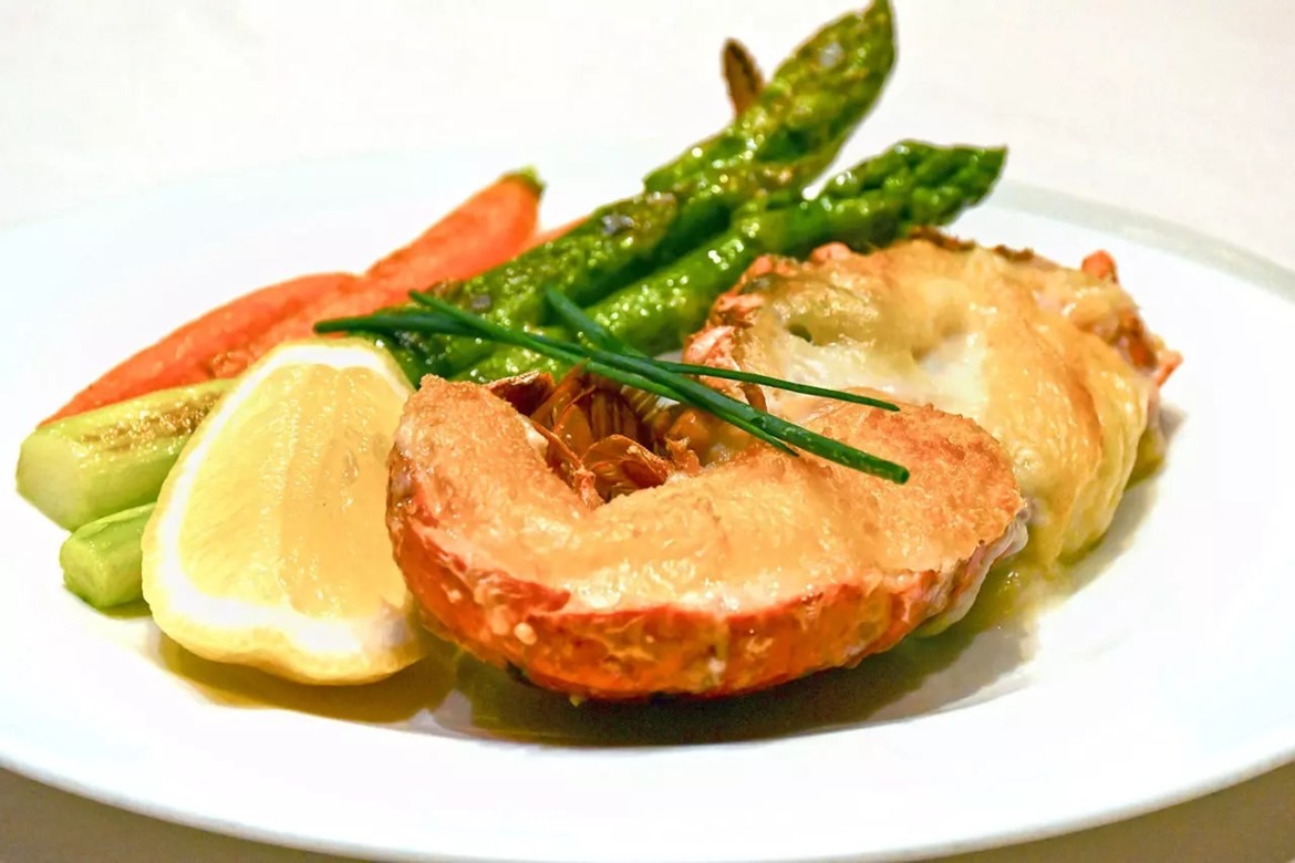 Singapore Airlines The Private Room | Baked Lobster with 3 Cheeses