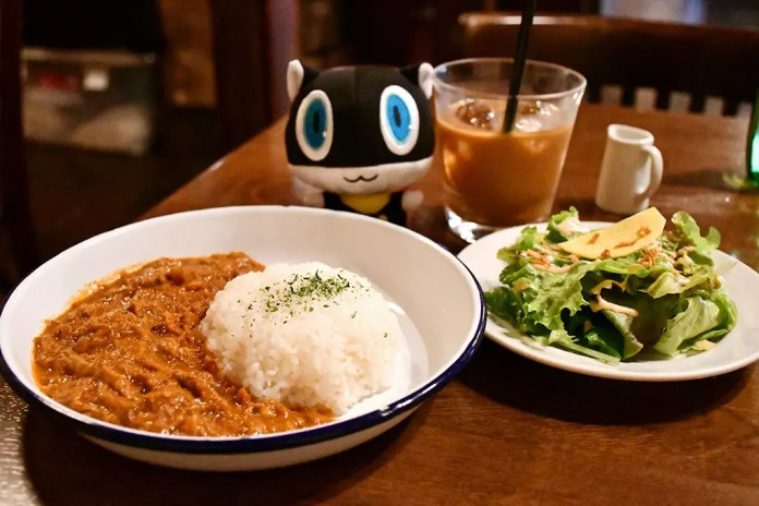 Curry Rice and Coffee Meal with Morgana at Rain on the Roof.