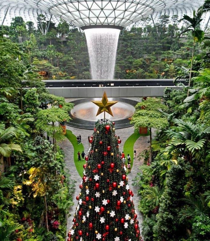 Jewel Changi Airport Christmas Tree 2020.