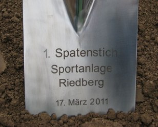 Spatenstich Sportplatz