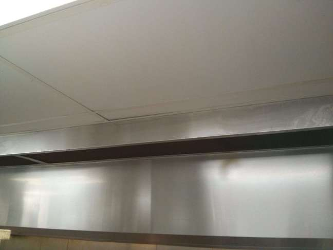 Minneapolis Restaurant Kitchen ceiling grease build-up removed completely