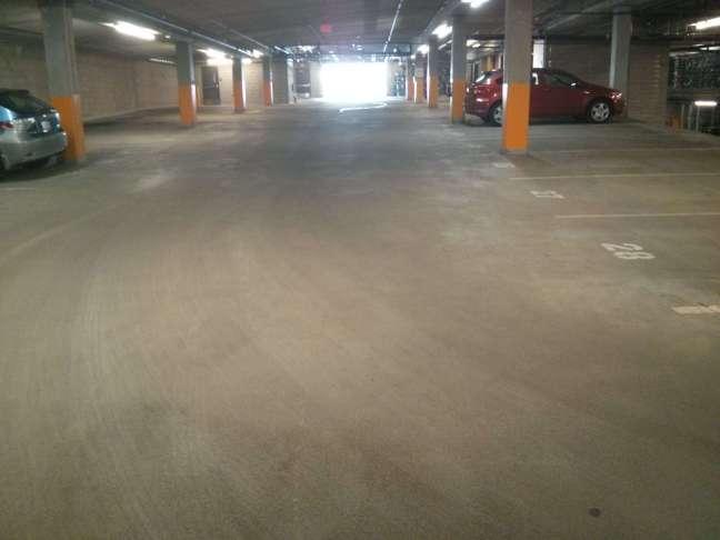 Parking garage main drive lane tracks