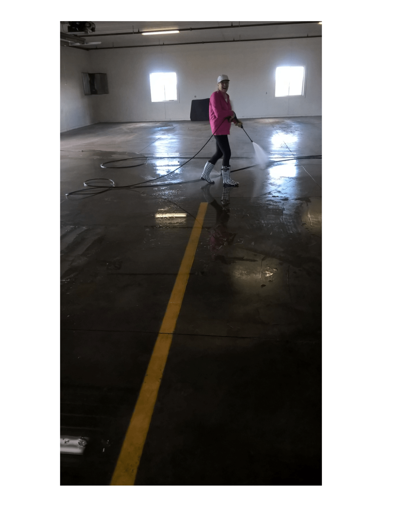 Minnesota specialty commercial cleaning services scrub n for Garage floor maintenance