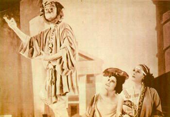 """Fotogramma della versione cinematografica del """"Nerone"""" di Petrolini  curata da Alessandro Blasetti (1930)"""