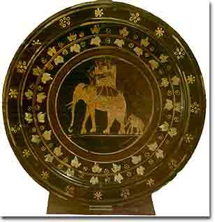 Ceramica antica con gli eelfanti di Pirro