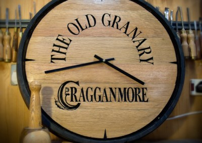 Cragganmore_whisky_barrel_top_hand_carved_clock