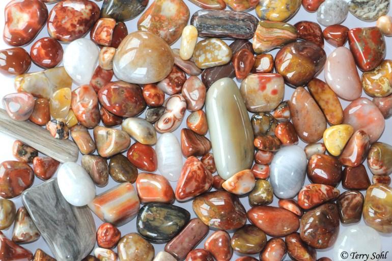Polished agates and Stones - South Dakota Rockhound
