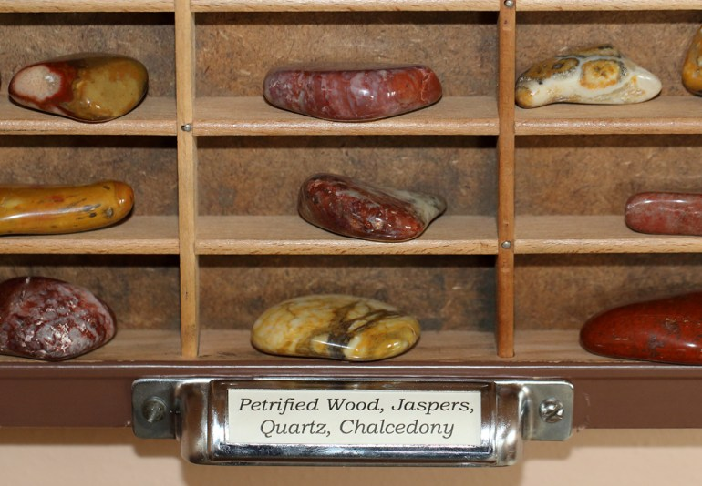South Dakota Rockhounding Display - Jaspers, Petrified Wood, Quartz, etc.