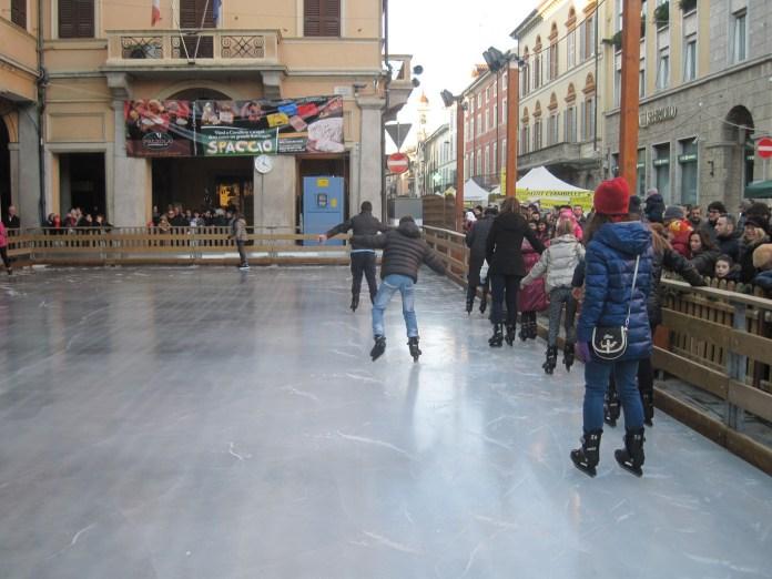 La pista di pattinaggio a Borgomanero
