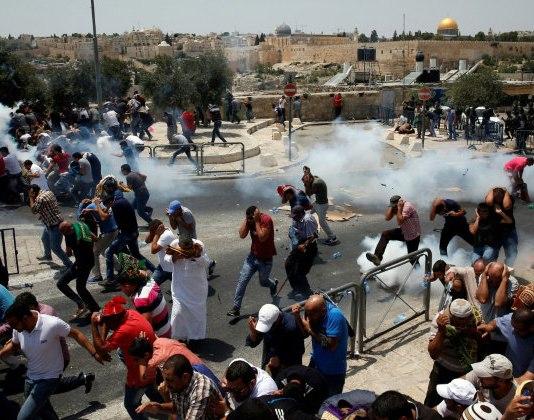 Scontri nei pressi di gerusalemme lo scorso luglio (foto di 'alternative iinformation center di Gerusalemme)