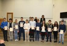 Gli studenti premianti al Cobianchi di Intra