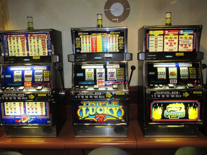 Slot machine, sanzionato esercente di Novara