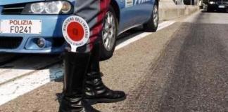 Ad Arona panico causato da un automobilista sulla strada del Sempione