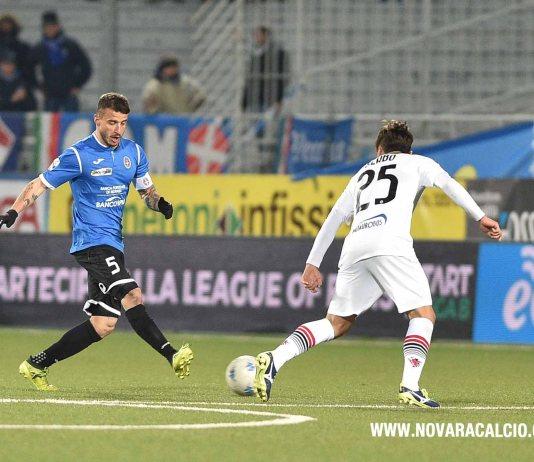 Novara calcio sconfitto 1 a 0 a Frosinone