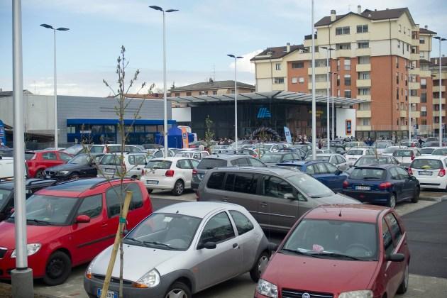 Supermercati, è polemica a Novara dopo la nuova apertura di Aldi