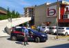 I Carabinieri di Verbania davanti al supermercato Bennet