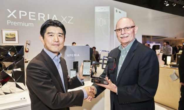 هاتف Xperia XZ Premium# يحصد جائزة أفضل هاتف ذكي في #MWC2017