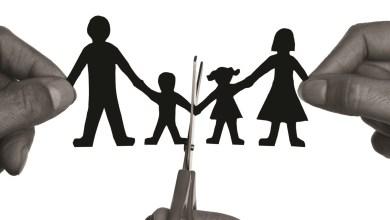 صورة هل المصالح الشخصية قضت على الأسرة؟