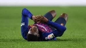 صورة عثمان ديمبلي يغادر تدريبات نادي برشلونة بعد تجدد إصابته