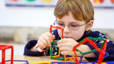 صورة التوحد ..أعراضه وأسبابه وكييفية التعامل مع طفل التوحد